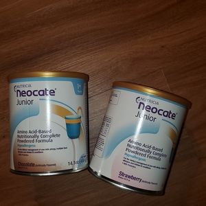 Neocate Junior Chocolate and Strawberry flavored f